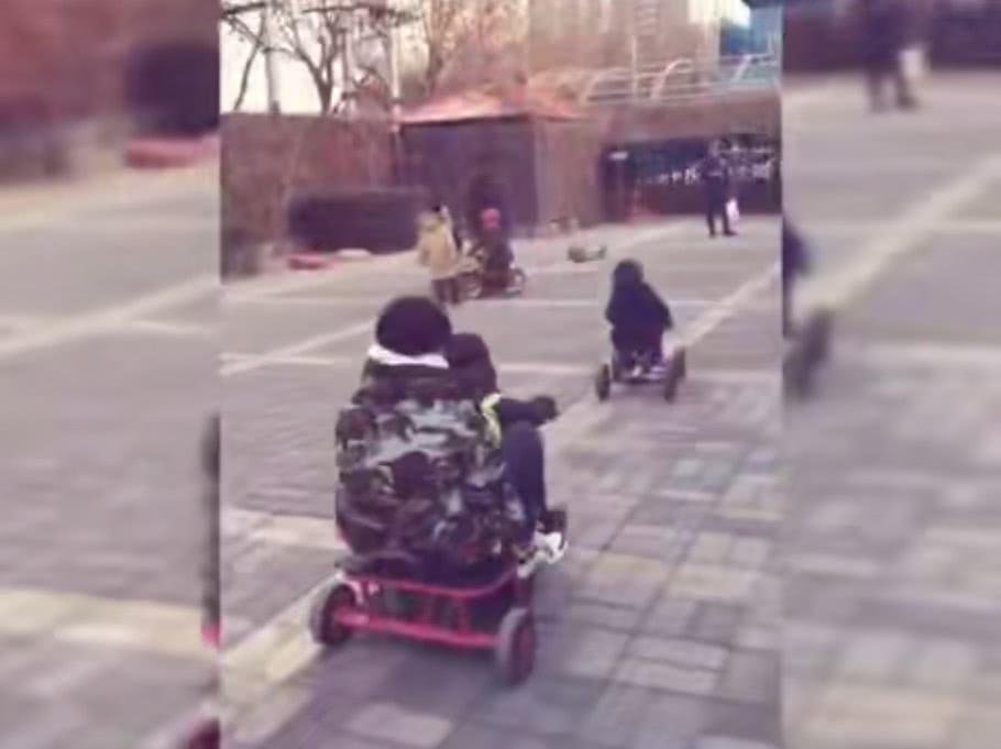谢楠让吴所谓骑车载自己 网友调侃能不能不要再坑娃了